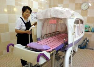 群馬県伊勢崎市のサービス付高齢者向け住宅・暮らしの様子|入浴介助
