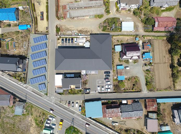 伊勢崎市有料老人ホーム・ケアマンション国定・楽久陽の上空からの撮影写真